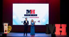 Cristina Camell y Daniel Machí presentando la Gala Maestros Hosteleros '17