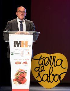 El presidente de La Diputación de Valladolid, Jesús Julio Carnero García, durante su intervención en el acto de entrega de los Premios Maestros Hosteleros '17