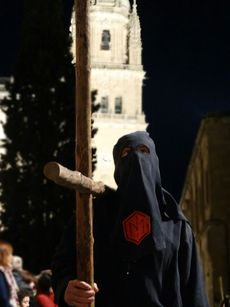 Cofrade de la procesión de la Universidad (Salamanca).