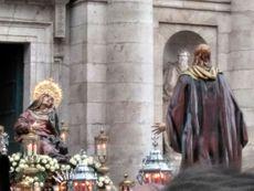 Encuentro de Jesús de la Esperanza y la Virgen de las Angustias en Valladolid.