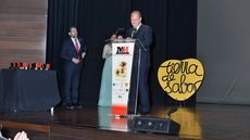 Antonio Silván, alcalde de León, dedica unas palabras a los asistentes.
