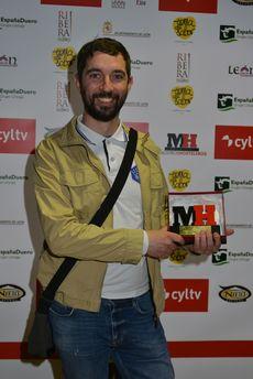 Noé Domínguez Olloqui recibió el premio homenaje a su padre, el cocinero leonés Carlos Domínguez Cidón.