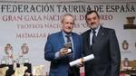 Carlos Martín Santoyo recibe la Medalla de Plata al Mérito Taurino 'por los relevantes servicios que presta a la defensa y fomento de la Fiesta Nacional'