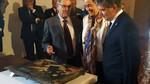 Ignacio Cosid� entrega a la iglesia de Lantadilla la tabla 'Lamento ante el cuerpo de Cristo'