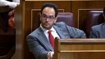 Rajoy busca apoyos de gobierno en el PSOE y Hernando le dice que no intente el 'abrazo del oso'