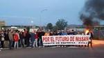 Acampada de protesta ante la f�brica de Nissan en �vila