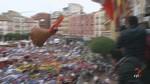Una bota de metro y medio da la bienvenida a la fiesta de las pe�as de Burgos