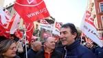 Cientos de personas reivindican en Valladolid un salario digno y mayor negociación colectiva