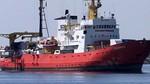 Los tres barcos de la flotilla del Aquarius se encuentran ya en el puerto de Valencia