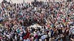 Miles de castellanos y leoneses condenan en silencio los atentados y se unen al dolor de las víctimas