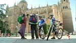 Policía en bicicleta al servicio del turista