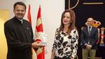 Silvia Clemente explica el funcionamiento de las Cortes a parlamentarios de la India