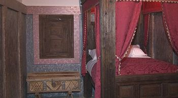 Nos adentramos en la habitaci�n donde naci� Santa Teresa de Jes�s