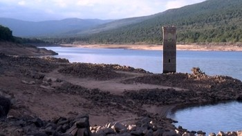 La sequía saca a la luz pueblos enteros sumergidos bajo el agua