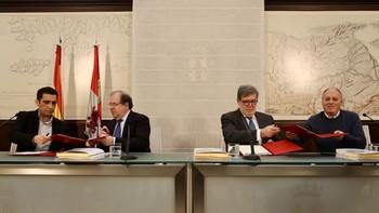 Herrera firma con sindicatos y patronal otros nueve acuerdos por valor de 231 millones