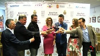 Antonio Orozco se compromete a seguir vendiendo 'las excelencias' de Ribera del Duero por el mundo
