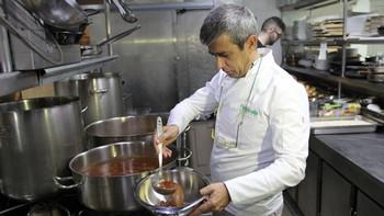 'Burgos entre cucharas' se presenta en el Real Café Bernabéu con una comida para 70 personas
