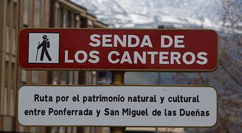Ponferrada estrena la nueva se�alizaci�n de la Senda de los Canteros