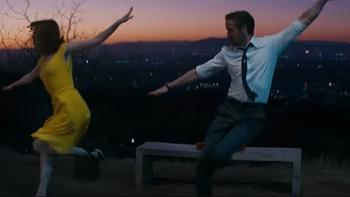 'La La Land' arrasa en los Globos de Oro con un pleno histórico