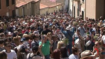Los zamoranos acompañan a la Virgen de la Concha en la romería a La Hiniesta
