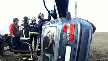 Una mujer resulta herida al salirse de la vía el vehículo en el que viajaba en Santa Cristina de Valmadrigal, León