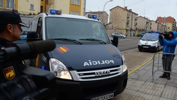 Los tres jugadores de la Arandina llegan al Juzgado de Instrucción nº1 de Aranda de Duero, Burgos, para prestar declaración