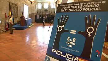 La Policía Nacional celebra en Carrión, Palencia, unas jornadas internacionales para abordar la perspectiva de género