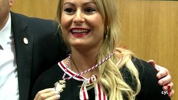 Camponaraya reconoce a Lidia Valentín con la Medalla de Oro del municipio