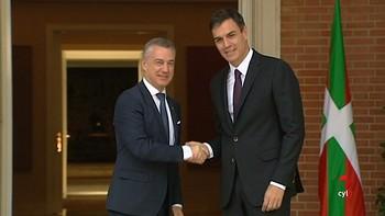 Urkullu plantea a Sánchez una reforma del modelo de Estado, sin 'ruptura', y explora una convención constitucional
