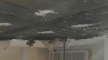 Herido un paciente de La Paz tras desprenderse parte del falso techo de su habitación
