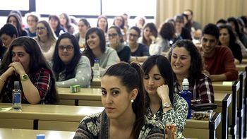 Salamanca y Valladolid acogen las pruebas MIR para adjudicar las 438 plazas destinadas a 2.647 titulados en la Comunidad