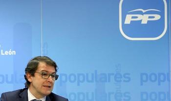 Alfonso Fernández Mañueco analiza en CyLTV el nuevo curso político