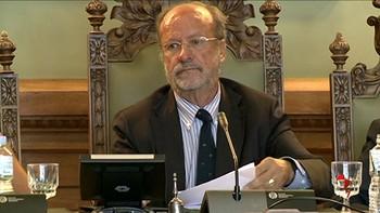 De la Riva carga contra la fiscal por solicitarle una pena superior a los miembros de La Manada o los independendistas catalanes