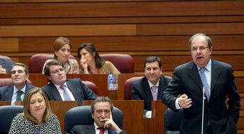 Herrera: 'La progresividad de la izquierda es subir impuestos a ciudadanos, familias y empresas'