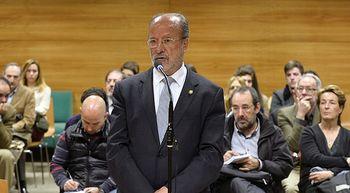 Francisco Javier Le�n de la Riva condenado por un delito de desobediencia