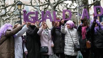 Unas 800 personas se concentran en Zamora para reivindicar la igualdad de derechos entre mujeres y hombres