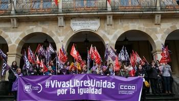 Soria toma la Plaza de San Esteban para 'rebautizarla' como la 'Plaza de las Mujeres'
