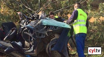 Dos muertos en un accidente en Mantinos, Palencia