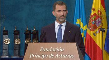 Felipe VI avisa de que ciudadanos e instituciones est�n sometidos por igual a la ley