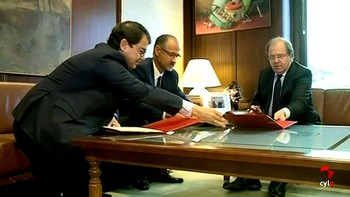 Junta, PP y Cs pactan bajar impuestos y estiman en 456 millones el acuerdo presupuestario