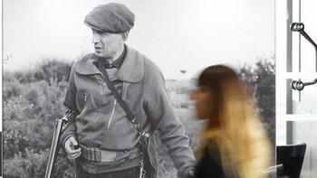 Alcobendas rinde homenaje a Delibes con una exposici�n de fotograf�as de caza del escritor