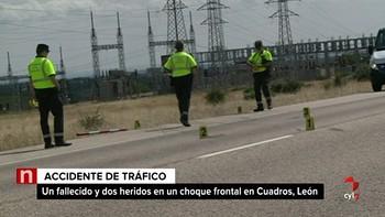 Un fallecido y dos heridos en una colisión frontal entre dos turismos en la N-630 en Cuadros (León)