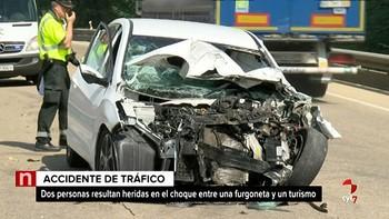 Dos heridos graves en la colisión frontal entre un turismo y una furgoneta en Torralba del Burgo, Soria