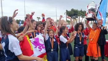 Castilla y León se proclama subcampeona de España de fútbol 8 femenino