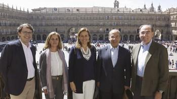 El alcalde de Salamanca recibe al expresidente de México Felipe Calderón y al presidente de Iberdrola