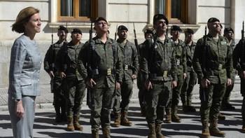 La ministra de Defensa visita las unidades del Ejército de Tierra en Burgos