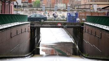 La tromba de agua en Valladolid corta el túnel de Vadillos y el peatonal del Arco de Ladrillo