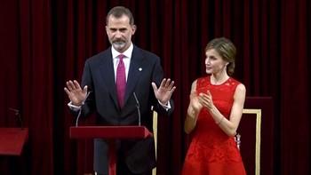 Vivas al Rey en el aniversario de 1977, mientras Unidos Podemos, PDeCAT y PNV guardan silencio