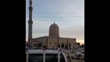 Más de 200 muertos en el atentado contra una mezquita del norte del Sinaí, Egipto