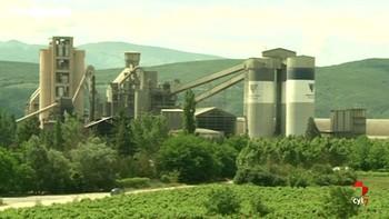 Un estudio de la ULE avala la quema de neumáticos en la fábrica de Cementos Cosmos en Toral de los Vados, León
